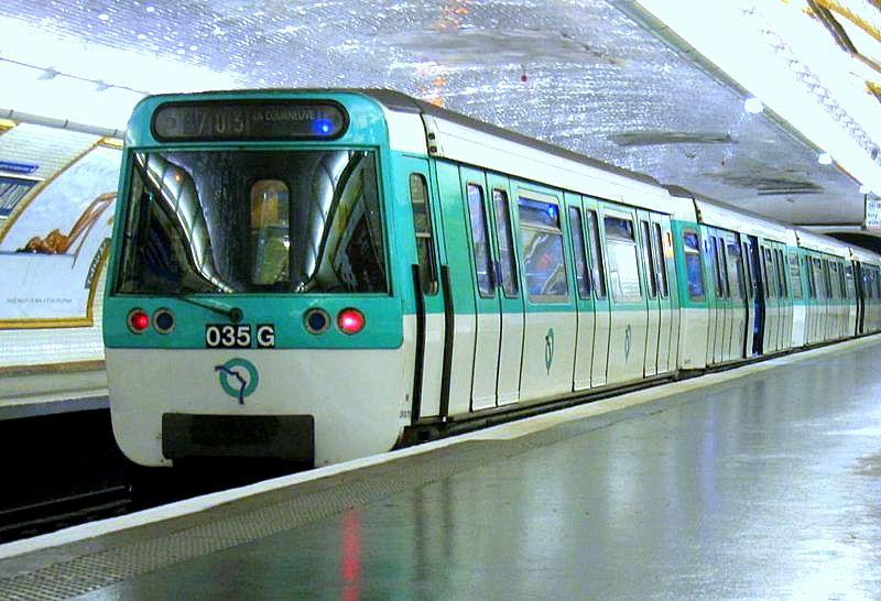 Unidad del Metro en París